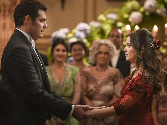 Darcy (Thiago Lacerda) e Elisabeta (Nathalia Dill) se casam de surpresa no capítulo de segunda-feira, 27 de agosto de 2018 da novela 'Orgulho e Paixão'