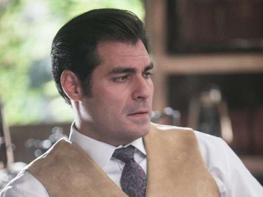 Darcy (Thiago Lacerda) é baleado para impedir a morte de Elisabeta (Nathalia Dill) nos próximos capítulos da novela 'Orgulho e Paixão'