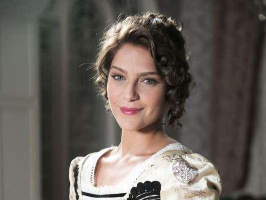 Darcy (Thiago Lacerda) permite o namoro da irmã, Charlotte (Isabella Santoni), com Olegário (Joaquim Lopes) nos próximos capítulos da novela 'Orgulho e Paixão'