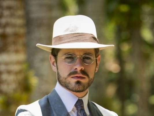 Camilo (Maurício Destri) vai ajudar Darcy (Thiago Lacerda) a escapar da morte nos próximos capítulos da novela 'Orgulho e Paixão'
