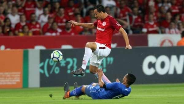 O duelo no primeiro turno terminou Internacional 0 x 0 Cruzeiro, no dia 20/4
