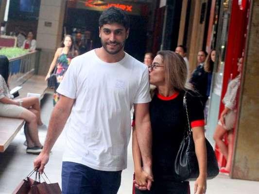 Anitta e Thiago Magalhães se separaram por causa da rotina da artista, diz colunista Leo Dias, em 8 de setembro de 2018