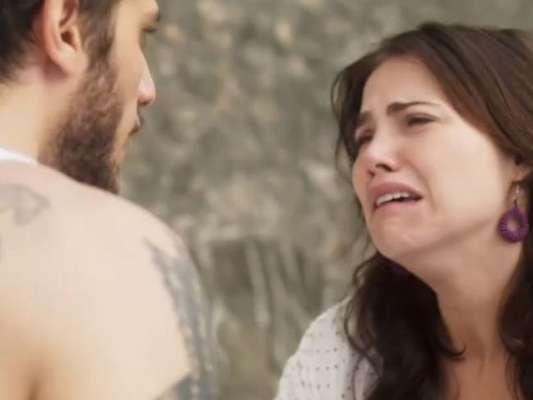 """Em """"Segundo Sol"""", Rosa (Leticia Colin) conta que Ícaro (Chay Suede) e Valentim (Danilo Mesquita) são irmãos"""