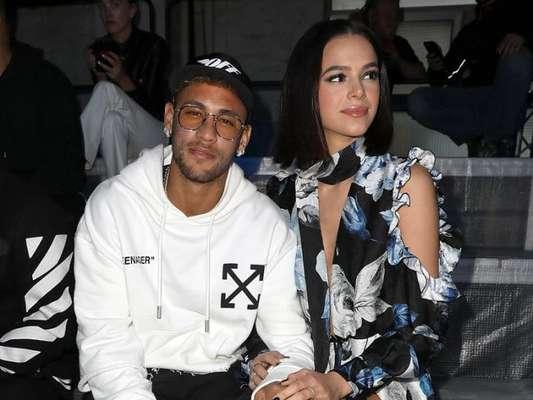 Grife Off-White posta foto de Neymar com Bruna Marquezine