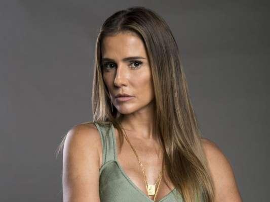 Dulce (Renata Sorrah) chama Karola (Deborah Secco) ne neta na novela 'Segundo Sol', em 10 de outubro de 2018