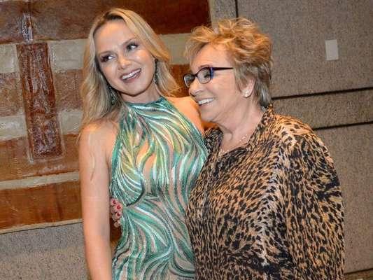 Eliana leva a mãe, Eva Michaelichen, a leilão beneficente da AACD, no Grand Hyatt, em São Paulo, na noite desta quarta-feira, 10 de outubro de 2018