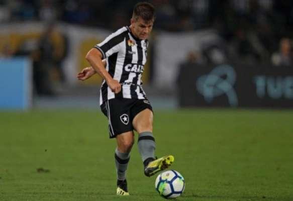 Imagens de João Pedro pelo Botafogo