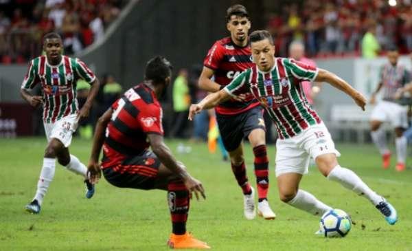 No primeiro turno, o Flamengo venceu o Fluminense por 2 a 0 em Brasília