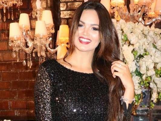 Suzanna Freitas, filha de Kelly Key, revelou que fez progressiva no cabelo aos 5 anos após sofrer bullying