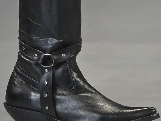 Os acessórios que vão ser tendência na próxima temporada: estilo western na passarela de Gloria Coelho
