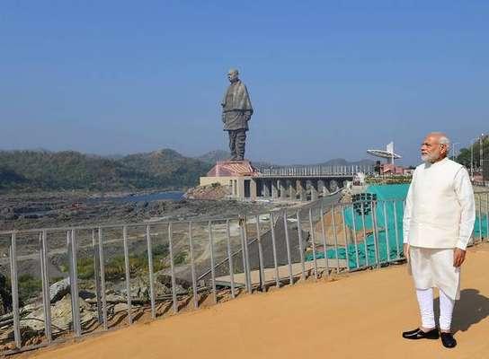 Índia inaugura estátua mais alta do mundo