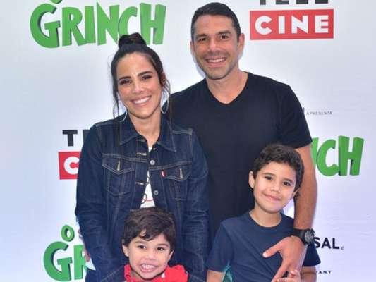Wanessa Camargo também teve a companhia do marido, Marcus Buaiz, na pré-estreia do filme 'O Grinch', em shopping de São Paulo, nesta sexta-feira, 2 de novembro de 2018