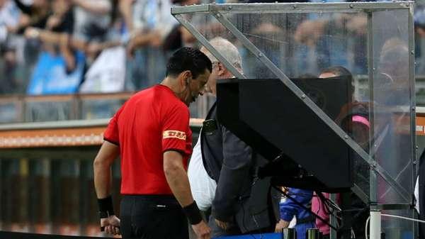 O VAR está em ação na Copa Libertadores de 2018 desde as quartas de final da competição. O LANCE! detalha como estão os altos e baixos do recurso de vídeo.