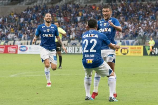 No turno. Cruzeiro 3 x 1 América-MG-19/7
