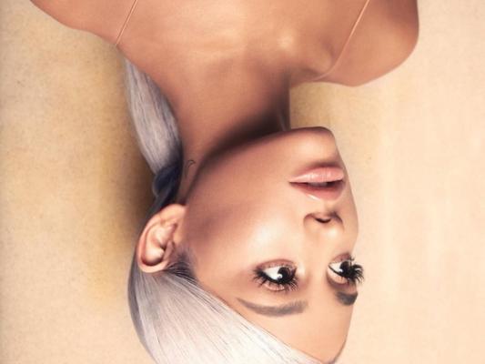 """Ariana Grande é eleita a """"Mulher do Ano"""" pela Billboard"""