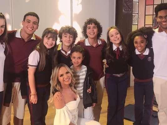 Eliana levou o filho para conhecer o elenco da novela 'As Aventuras de Poliana' nesta terça-feira, 6 de novembro de 2018