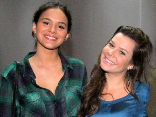 Carolina Dieckmann esteve em reunião com Bruna Marquezine, Fernanda Souza e mais famosos