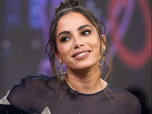 Anitta esclarece ritmos de clipes em EP 'Solo': 'Músicas não são de rebolar'