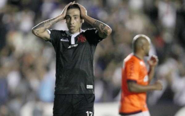 Jogadores do Vasco tentam entender o motivo de 'pontos fáceis' serem desperdiçados em momentos decisivos