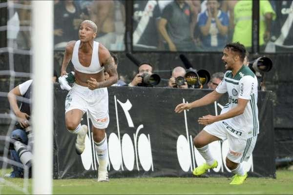 Confira a seguir a galeria especial do LANCE! com as imagens de Vasco e Palmeiras, que se enfrentaram neste domingo