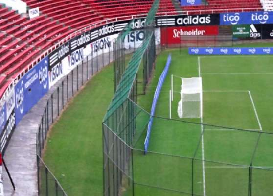 Estádio Defensores del Chaco, no Paraguai, é cotado para receber a final