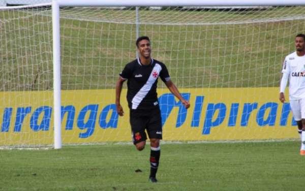 Vasco - Tiago Reis comemora gol importante e espera seguir marcando na Copa RS. Confira a seguir a galeria LANCE!