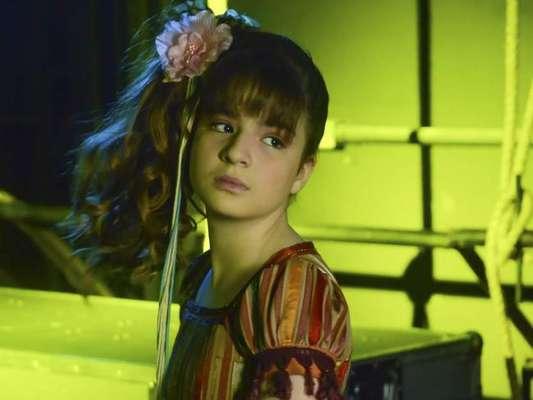 Na novela 'As Aventuras de Poliana', a apresentação do show de talentos de Poliana (Sophia Valverde) será prejudicada por Filipa (Bela Fernandes)