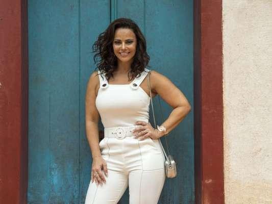 Aos 43 anos, Viviane Araujo não descuida dos cuidados com o corpo