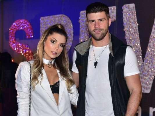 Flávia Viana anunciou fim do namoro com Marcelo Zangrandi nesta quinta-feira, 6 de novembro de 2018