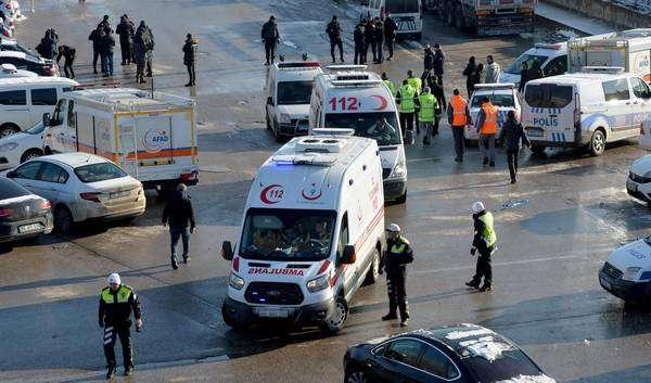 Acidente de trem na Turquia deixa quase 10 mortos