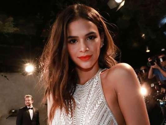 Bruna Marquezine entrega cor de lingerie que vai usar na virada do ano: 'Sempre branco'