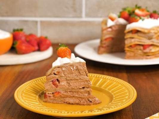 Torta doce com massa de panqueca