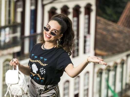 Mariane (Kéfera Buchmann) vai ganhar o papel de Cris (Vitória Strada) no filme de Alain (João Vicente de Castro) por decisão do diretor nos próximos capítulos da novela 'Espelho da Vida'