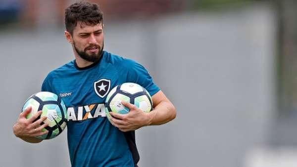 Imagens de João Paulo pelo Botafogo