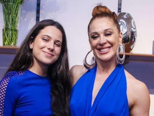 Claudia Raia homenageou a filha, Sophia Raia, que completa 16 anos nesta terça-feira, 15 de janeiro de 2019. 'Veio com meu nariz atual de plástica', se divertiu a atriz