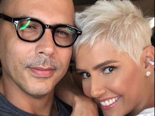Deborah Secco fez transformação com o hairstylist Anderson Couto, embaixador da Wella e cabeleireiro do Espaço Gioh, na zona oeste do Rio de Janeiro