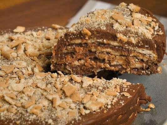 Torta de palha italiana com creme de avelã