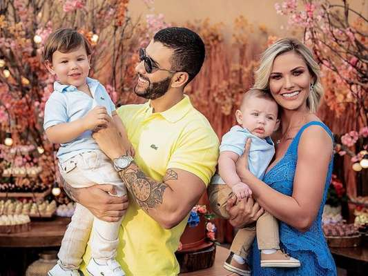 Andressa Suita e Gusttavo Lima são pais de Gabriel, de 1 ano, e Samuel, de 4 meses