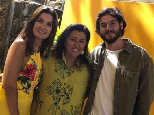 Fátima Bernardes e Túlio Gadêlha estão em Salvador, na Bahia, onde encontraram Regina Casé, nesta quinta-feira, 7 de fevereiro de 2019