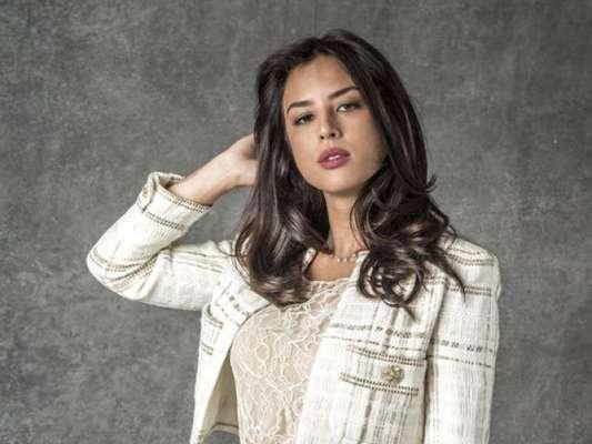 Laura (Yanna Lavigne) vai morrer após cair da escada durante briga com Valentina (Lilia Cabral) nos próximos capítulos da novela 'O Sétimo Guardião'