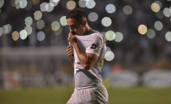 Jean Mota foi mais uma vez o nome do Santos em jogo do Campeonato Paulista. Veja a seguir a galeria LANCE!