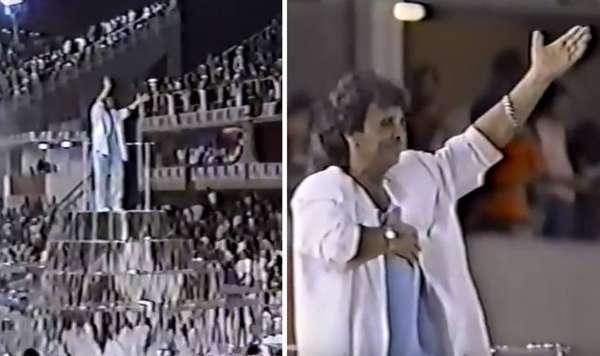 Roberto Carlos - Unidos do Cabuçu - Carnaval 1987 - Não foi a primeira vez que o cantor foi tema de enredo. Em 1987, a Unidos do Cabuçu ficou na 7ª colocação do carnaval do Rio de Janeiro com o enredo 'Roberto Carlos na Cidade da Fantasia'.