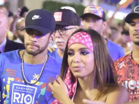 Anitta negou ter beijado Neymar: 'Sou amiga dele'
