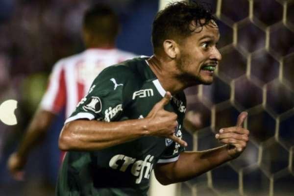 Gustavo Scarpa abriu o marcador para o Palmeiras