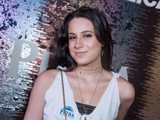 Sophia Raia, filha de Claudia Raia, curtiu Carnaval na companhia de João Guilherme Silva, filho de Fausto Silva