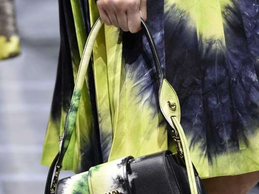 Quer entrar na trend do tie dye? Confira 5 peças para inserir no guarda-roupa!