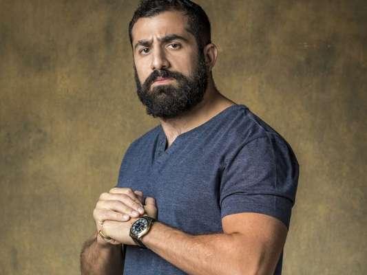 Kaysar Dadour passou mal ao entrar em campo de refugiados de novela: 'Pesado'