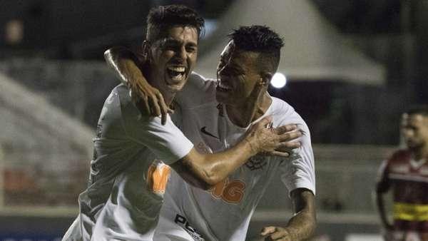 Avelar voltou a decidir a favor do Corinthians