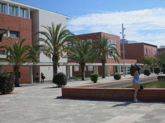 Universidade de Aveiro - A Universidade de Aveiro aceita o Enem desde novembro de 2015. Saiba mais aqui