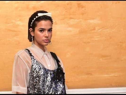 Bruna Marquezine reagiu e foi apoiada após críticas por conta do seu cabelo: 'Só a opinião dela importa'